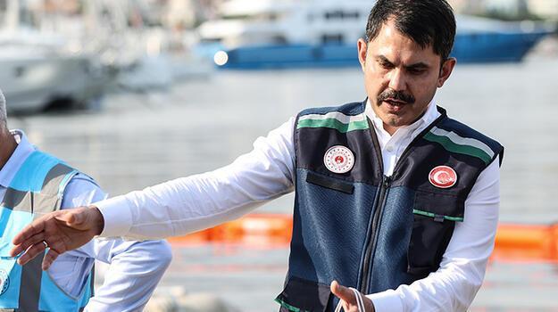 Bakan Kurum: Marmara Denizi'nde 4 bin 555 metreküp müsilajı temizledik
