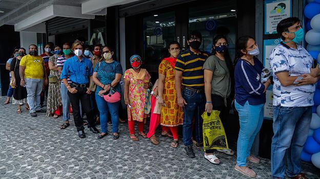 Hindistan'da günlük vakalar 50 bin seviyelerine indi