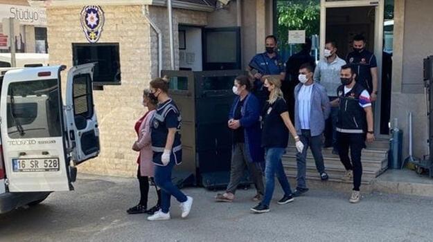 Bursa'da uyuşturucu ticareti yapan akrabalardan 2'si tutuklandı