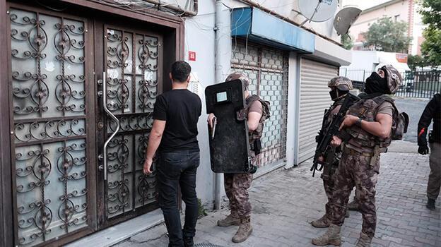 İstanbul'da 6 ilçede uyuşturucu şebekesine operasyon: 32 şüpheli gözaltında