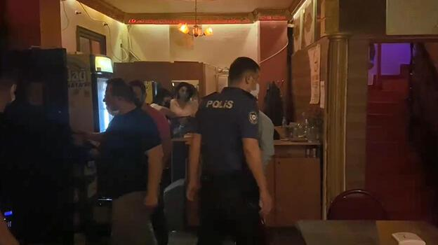 Kısıtlamada açık eğlence merkezine baskın: 17 kişiye 53 bin lira ceza