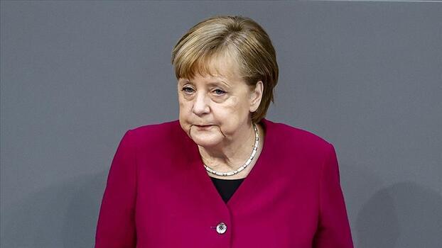 """Merkel'den """"dev yatırımlar gerekli"""" uyarısı"""