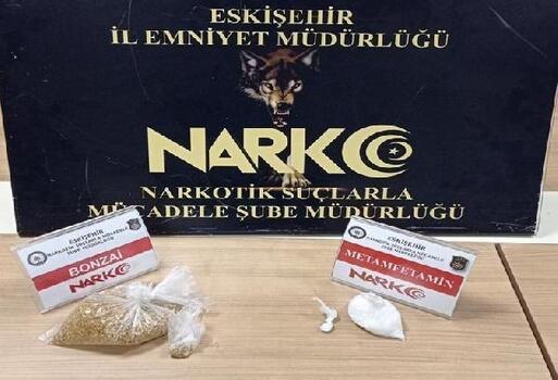 Eskişehir'de uyuşturucu satıcısı 3 şüpheli tutuklandı