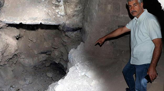 Kayseri'de defineciler, tarihi kiliseyi kazarak tahrip etti