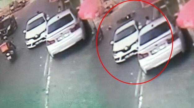 Kartal'da motokurye 6 yaşındaki çocuğa çarptı!