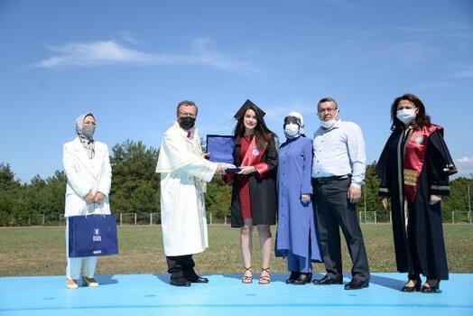 Bursa Uludağ Üniversitesi'nde hemşireler için mezuniyet töreni düzenlendi