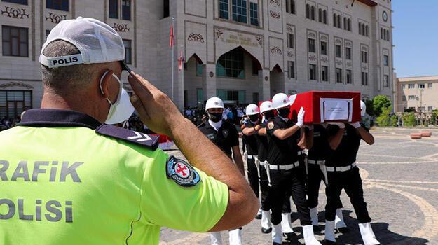 Kazada yaşamını yitiren polis memuru memleketine uğurlandı