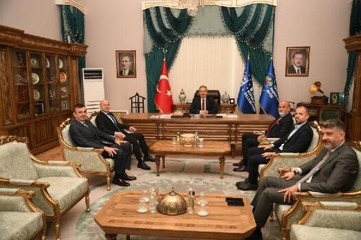 Bursaspor yönetiminden, Alinur Aktaş'a ziyaret