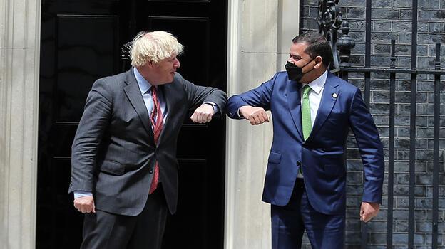 İngiltere Başbakanı Johnson ve Libya Başbakanı Dibeybe Londra'da görüştü