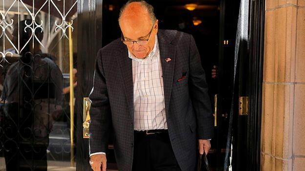 Trump'ın avukatı Giuliani'nin lisansı askıya alındı