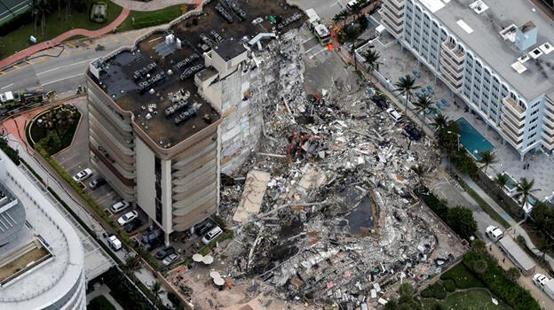 Miami'de yıkılan 12 katlı binada yaşayan 99 kişiden haber alınamıyor