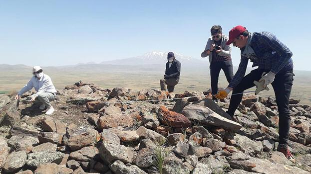 Malazgirt şehitlik alanı jeoradarlarla inceleniyor