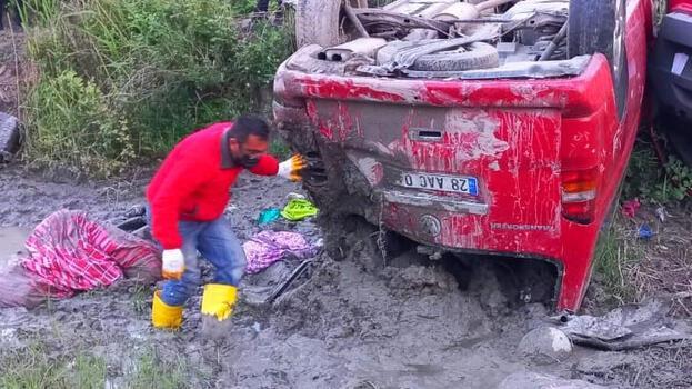 AK Parti'li Aydın'ın yakınlarının minibüsü devrildi! Anne- oğul öldü, 8 yaralı
