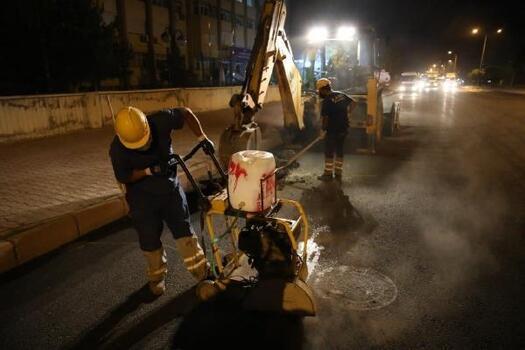 Büyükşehir'de asfaltlama çalışması sürüyor