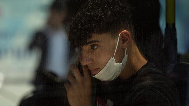 İsrail başa döndü, maske yeniden zorunlu oldu