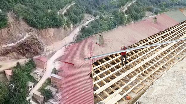 Patlatılan dinamit nedeniyle hasar gören belediye binası onarılıyor