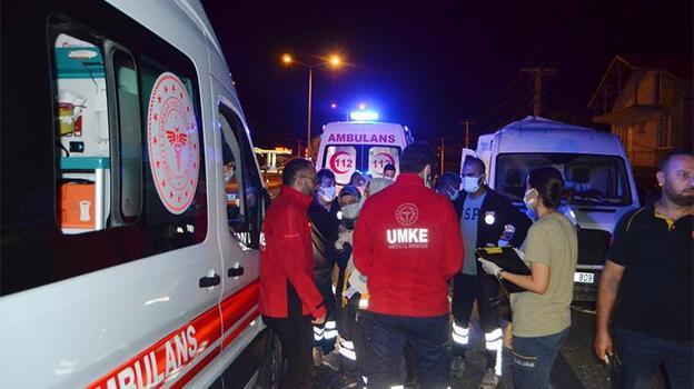 Otobüs ile panelvan minibüs çarpıştı: 12 yaralı