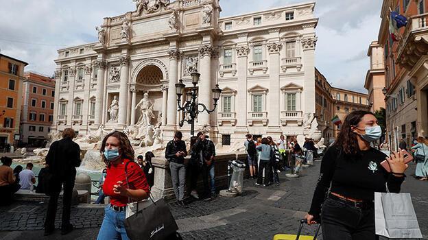 İtalya'da son durum! 24 saatte 882 koronavirüs vakası...