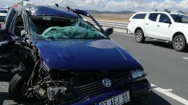 Kızı ve torunlarını tatile götürürken kaza yaptı
