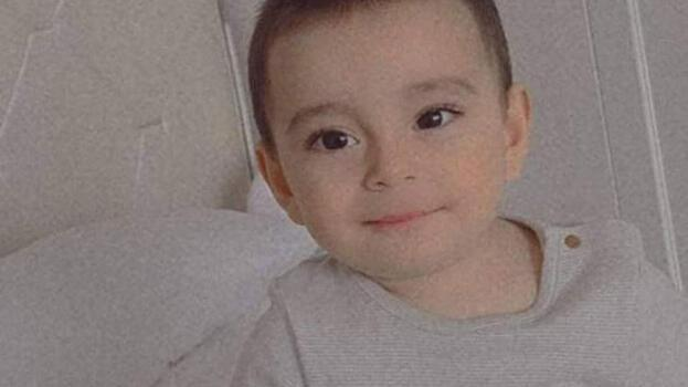 Balkondan düşen 2,5 yaşındaki Mehmet, yaşam savaşını kaybetti