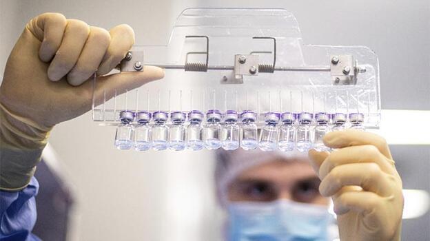 BioNTech: 3'üncü doz gerekecek / FDA-CDC: Takviyeye gerek yok