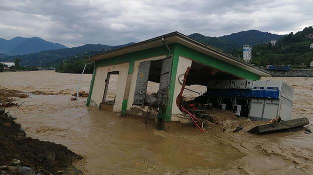 AFAD: Arhavi'de yaklaşık 200 kişi tahliye edildi