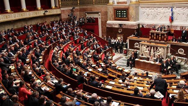 Fransa'da terörle mücadele ve istihbarat yasa tasarısı yasalaştı