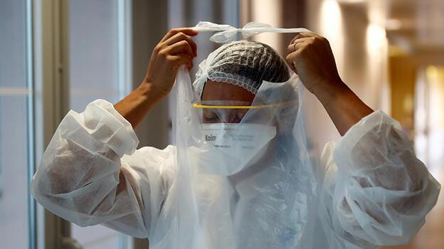 Fransa'da bir günde 21 bin 909 yeni koronavirüs vakası...