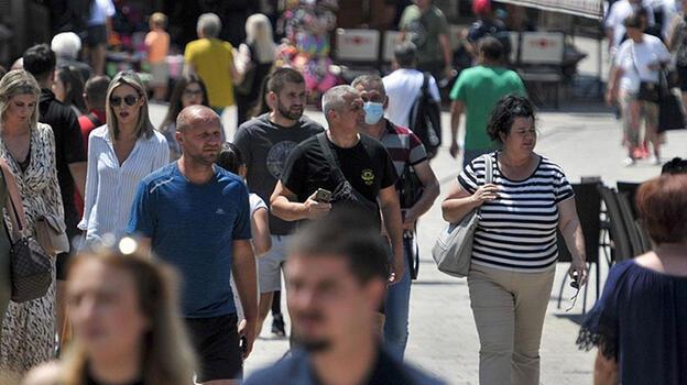 Avrupa ülkelerinde vakalar arttıkça, kısıtlamalar geri dönüyor!