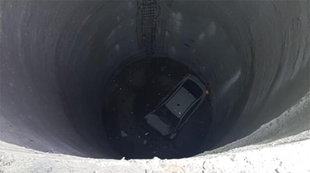 Yer: İzmir... 25 metrelik boşluğa düştü!