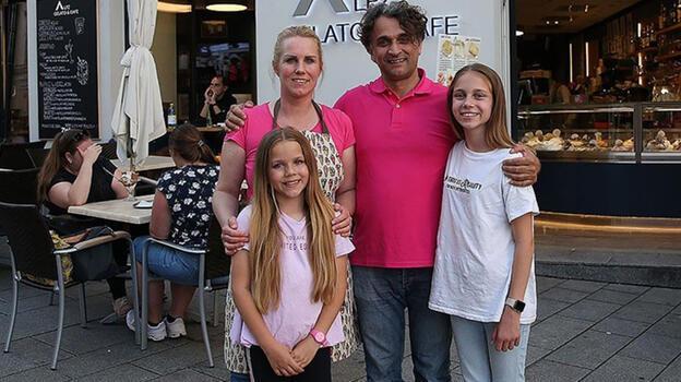 Türk dondurmacı İtalyanları kendisine hayran bırakıyor