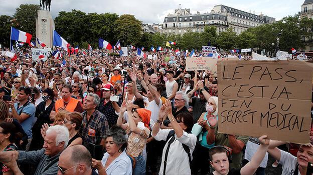 Avrupa ve Avustralya'da aşı ve koronavirüs önlemleri karşıtı protestolar düzenlendi