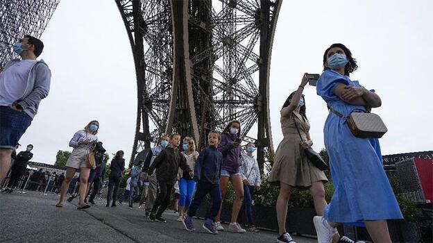 Fransa'da son 24 saatte 16 bin 167 Kovid-19 vakası