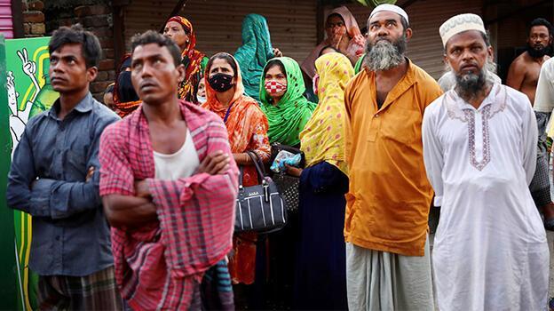 Bangladeş'te salgının başından bu beri en yüksek vaka ve ölü sayısı!