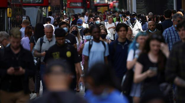 İngiltere'de son 24 saatte 131 kişi hayatını kaybetti