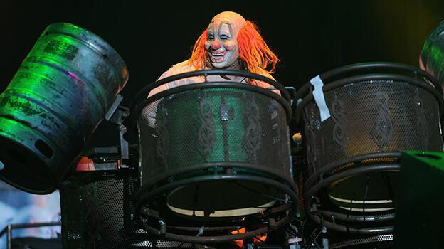 Hayranları yasta! Slipknot'ın davulcusu Joey Jordison evinde ölü bulundu