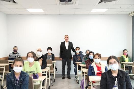 Sultangazi Eğitime Destek Akademisi öğrencilerinden başarı