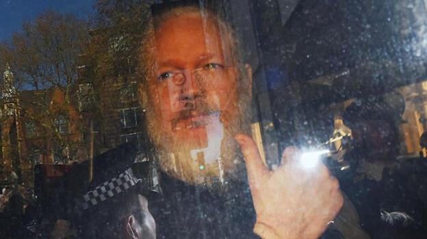 WikiLeaks'in kurucusu Assange'ın Ekvador vatandaşlığı düştü