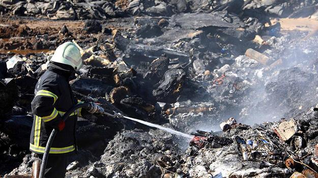 Gaziantep'te yanan deponun sahibi: 17 tekne yandı, 8 milyon lira zarar var