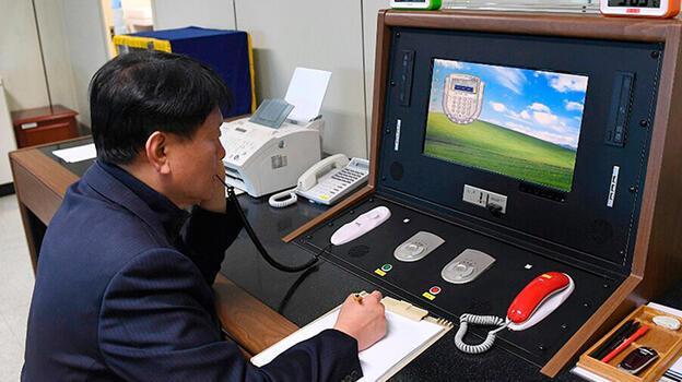 Kuzey ve Güney Kore arasında 1 yıl sonra ilk telefon görüşmesi