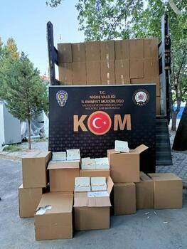Niğde'de 20 bin paket gümrük kaçağı makaron ele geçirildi