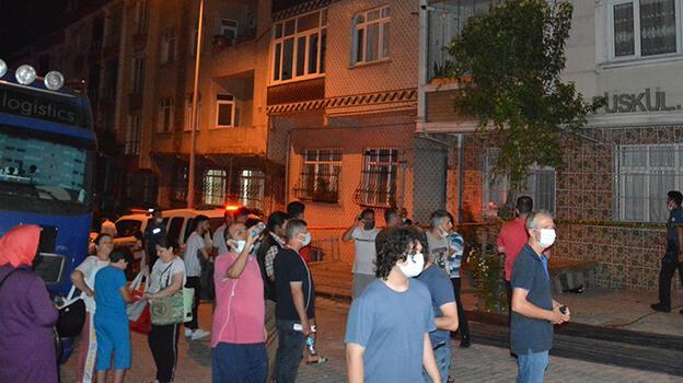 İstanbul'da korku dolu anlar! İki bina çökme riski nedeniyle boşaltıldı