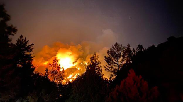 Son dakika: Antalya'nın bir ilçesinde daha yangın! Bazı evler boşaltıldı