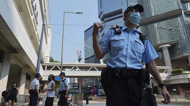 Hong Kong'da protestolarda suçlu bulunan ilk kişi için 'daha az ceza' talebi