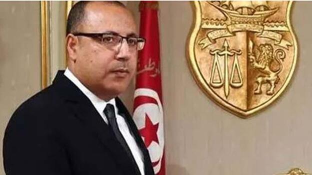 'Tunus'ta görevden alınan başbakan istifa etmesi için dövüldü'
