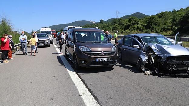 Anadolu Otoyolu'nda zincirleme trafik kazası: 3 yaralı