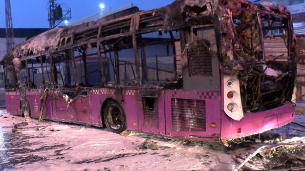İstanbul'da halk otobüsü alev alev yandı