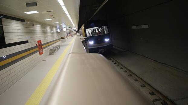 İstanbul'da metro seferi saati uzatıldı