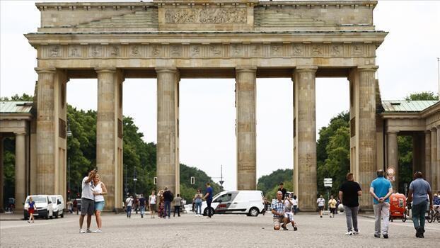 Almanya tatilcilerden Kovid-19 testi isteyecek