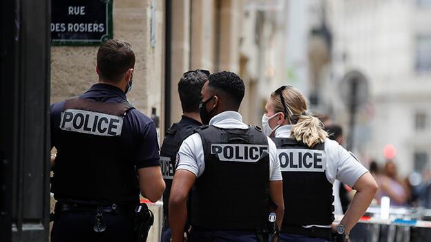 Paris'te güpegündüz korku dolu anlar! 2 milyon avro kayıp